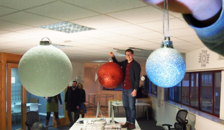 08_Dec_14_baubles