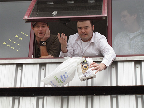 Team Damien Frost and Mike Davies prepare to drop their egg