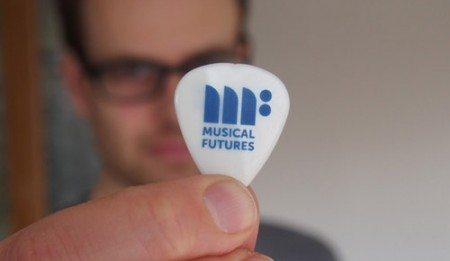 13_Mar15_plectrum