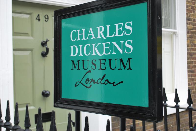 Dickens_Museum_external_sign