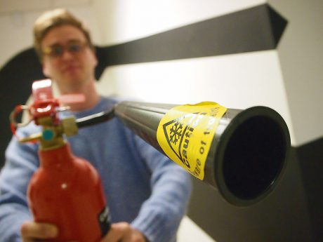 13_Mar_17_Tom_fire-extinguisher_