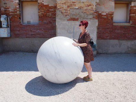 Alicja-Kwade_ball