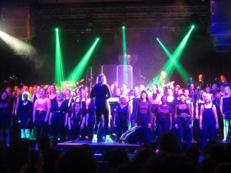 Lips_Choir_5_full-choir