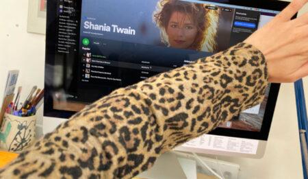13_May_21_Shania-Twain_EB